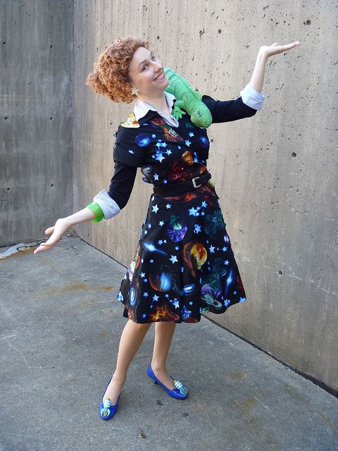 Miss Frizzle adult halloween costume